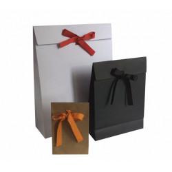 Pochettes cadeaux kraft, blanches, noires à ruban
