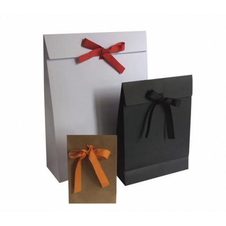 Pochettes cadeaux kraft, blanches et noires à ruban