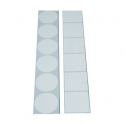 Etiquettes adhésives blanches carrées et rondes