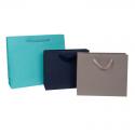Sacs en papier mat de couleur poignées ruban