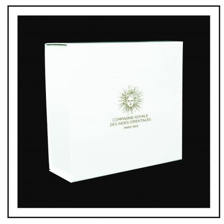 Boîte cadeau brillante marquage à chaud or