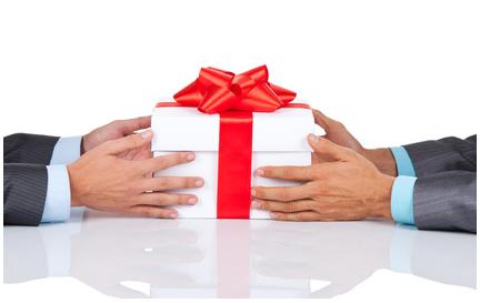 La tradition du cadeau de Noël d'entreprise